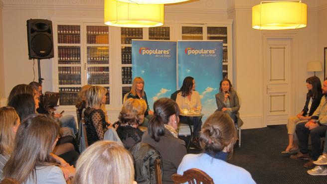 Encuentro del PP con mujeres en el Círculo Logroñés