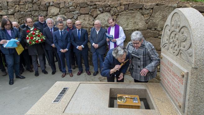 Entierro de las cenizas del intelectual Rodolfo Prada en Os Peares (Ourense)