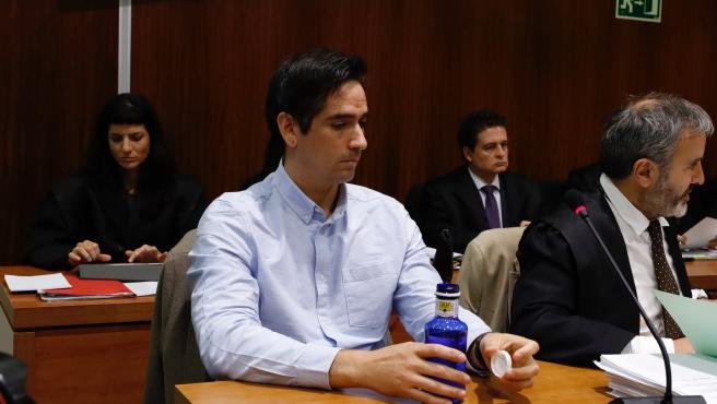 El acusado por el 'crimen de los tirantes', Rodrigo Lanza, en el que murió Víctor Laínez en diciembre de 2017, durante el jucio en la Audiencia de Zaragoza