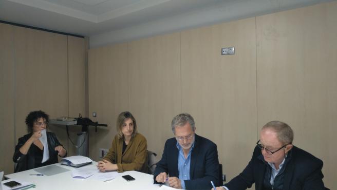 El concejal de Planeamiento Urbanístico y Vivienda, Manuel Saravia, en el Consejo de Administración de VIVA.