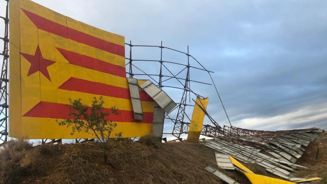 Estado en el que ha quedado el mural independentista de Bellpuig