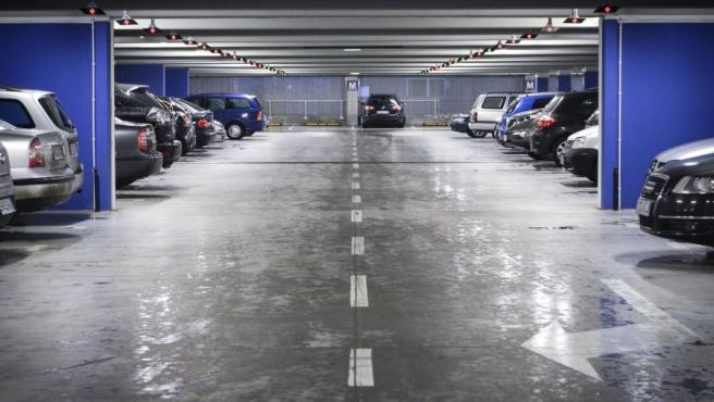 Las razones para disponer de una plaza en un garaje son de muy diversas y el mercado permite tanto comprar como alquilar.