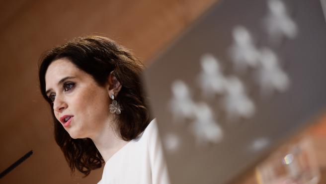 Imagen de archivo de la presidenta de la Comunidad de Madrid, Isabel Díaz Ayuso, en rueda de prensa tras el Consejo de Gobierno de la Comunidad de Madrid