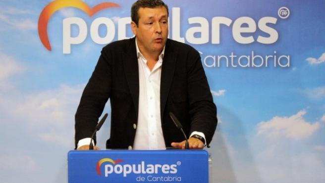Iñigo Fernández, diputado regional del PP