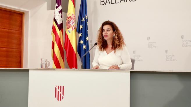 La consellera de Presidencia, Cultura e Igualdad, Pilar Costa, en el Consolat.