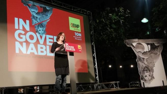 La número tres de la CUP al Congreso, Eulàlia Reguant, en un acto de campaña en Terrassa (Barcelona) por las elecciones generales del 10 de noviembre de 2019