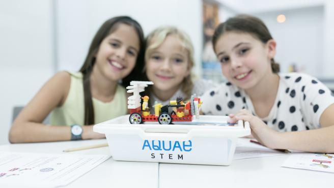 Lanzamiento de Aquae ESTEM, un programa que ha puesto en marcha la Fundación Aquae, la fundación de Hidraqua, para la promoción de las vocaciones científicas y tecnológicas para niñas