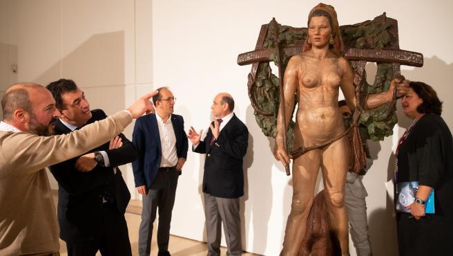 Recepción en el Museo Centro Gaiás de la escultura 'Santa', de Francisco Asorey.