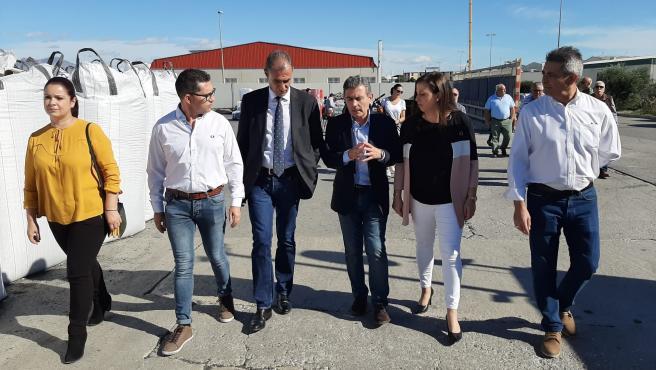 Visita del candidato al Congreso de los Diputados Pedro Saura al polígono Los Torraos de Ceutí