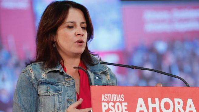 La cabeza de lista del PSOE en Asturias al Congreso de los Diputados, Adriana Lastra, en el mitin celebradon en Gijón