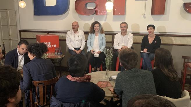 Acto sectorial del PSIB con el colectivo LGTBI en la campaña del 10N.