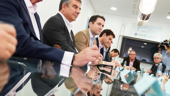 El cabeza de la lista del PP al Congreso de los Diputados, Teodoro García y los candidatos al Congreso y Senado, Isabel Borrego, Juan Luis Pedreño y Juan María Vázquez