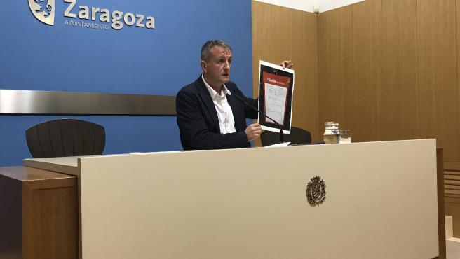 El portavoz de Podemos-Equo Zaragoza, Fernando Rivarés.