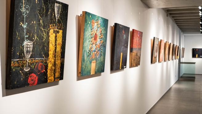 Exposiciones 'Change the world. Make war with art' y 'La memoria de las flores extraviadas', en UNEATLANTICO