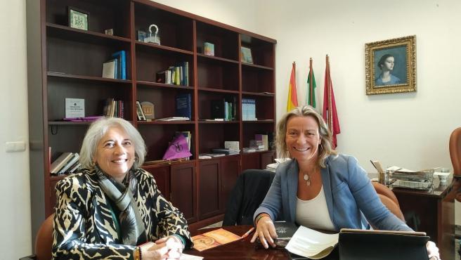 Isabel Albás con Isabel Romero del Instituto Halal.