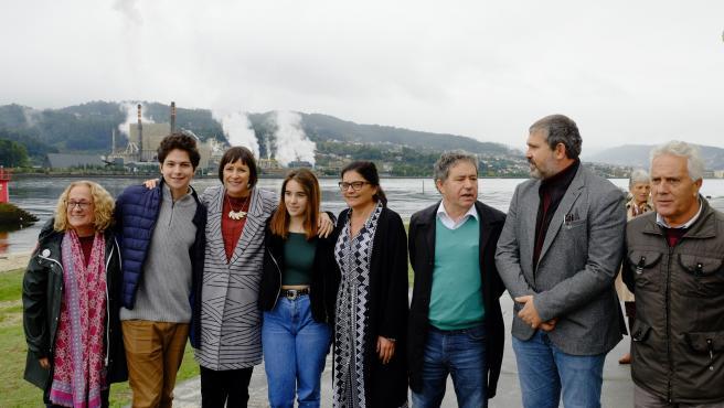 La líder del BNG, Ana Pontón, en un acto de campaña junto con los alcaldes de Poio (Luciano Sobral) y Pontevedra (Miguel Anxo Fernández Lores), además de la cabeza de lista al Congreso por Pontevedra, Carme da Silva