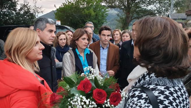 La ministra de Justicia en funciones, Dolores Delgado, participa en un acto homenaje a los represliados en el cementerio civil de Solares