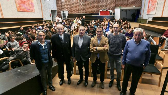 Participantes en una jornada sobre olimpismo celebrada en el Instituto Núñez de Arce, en Valladolid.