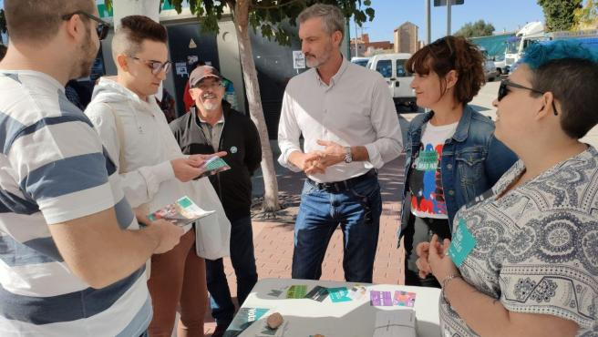Acto de Más País-Equo en Murcia conm sus candidatos Óscar Urralburu y María Giménez