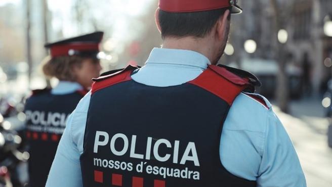 Agents de patrulla dels Mossos d'Esquadra.
