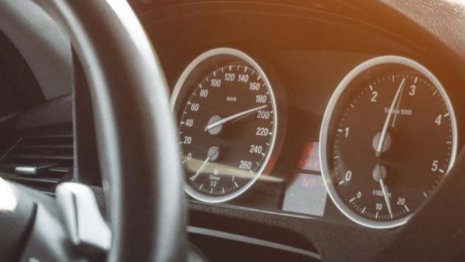 El precio de tu coche baja conforme subes los kilómetros en el cuentakilómetros.
