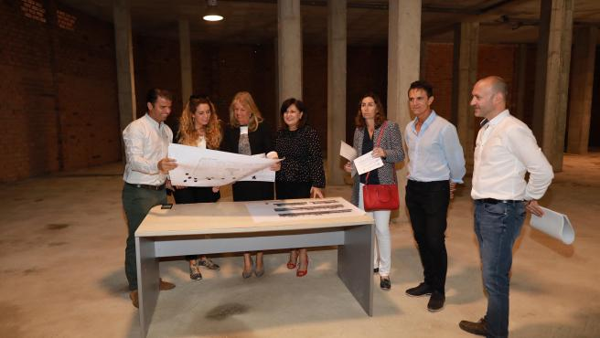 La alcaldesa de Marbella visita las obras de la sede de la nueva Escuela Oficial de Idiomas