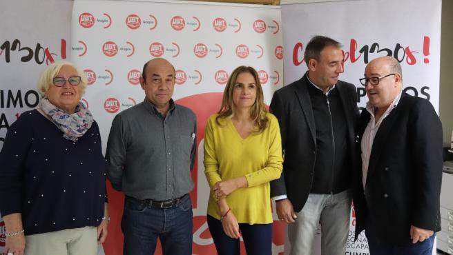 Susana Sumelzo y Miguel Dalmau (PSOE) mantienen un encuentro con los líderes de UGT este jueves en la sede del sindicato.