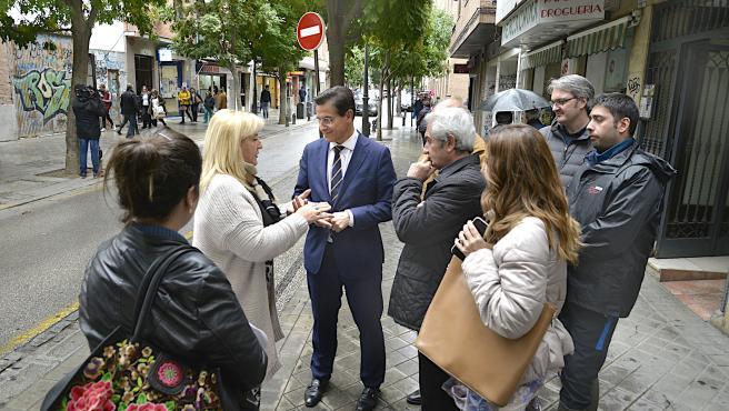 Visita del alcalde, Luis Salvador, a San Juan de Dios
