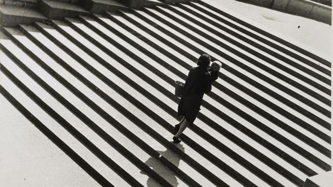La escalera, 1930. Alexandre Rodtchenko (1891-1956). París, Centre Pompidou - Musée National D'art Moderne - Centre de Création Industrielle.