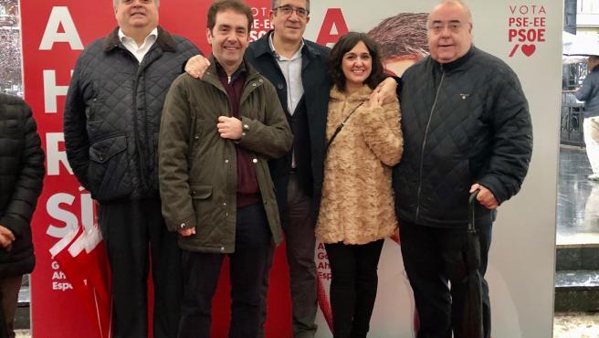 El cabeza de lista del PSE-EE al Congreso por Bizkaia, Patxi López, en un acto electoral en Ermua (Bizkaia)