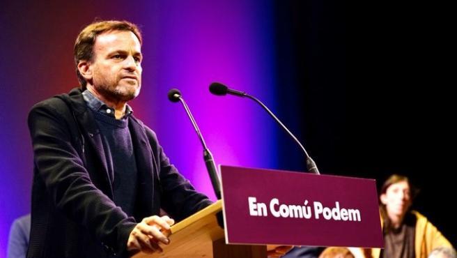 Jaume Asens (comuns) en un mitin en Blanes