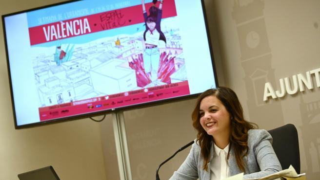 La regidora de Renovació Urbana i vicealcaldessa de Renovació Urbana i Vivenda, Sandra Gómez, presenta les actividats organitzades amb motiu de la setmana de l'Urbanisme. Sala de premsa