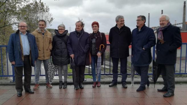 Luis Garicano con responsables de Ciudadanos de Asturias en Avilés.