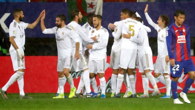 El Real Madrid golea en Eibar