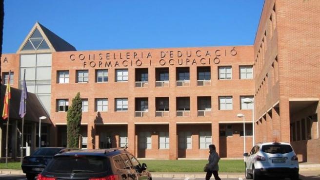 Fachada de la Conselleria de Educación
