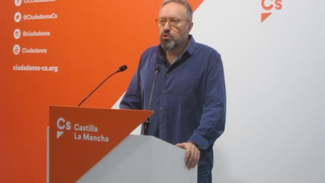 El candidato número uno al Congreso por Toledo, Juan Carlos Girauta, en rueda de prensa.