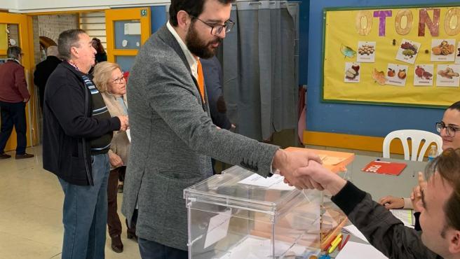 Ignasi Candela vota en Crevillent