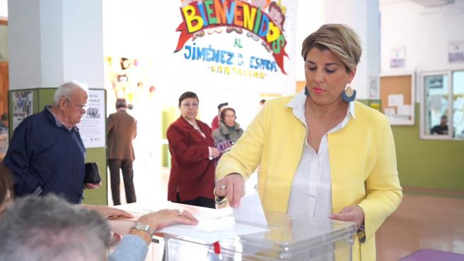 La Vicealcaldesa De Cartagena, Noelia Arroyo, Ejercer Su Derecho Al Voto Elecciones Generales 10N