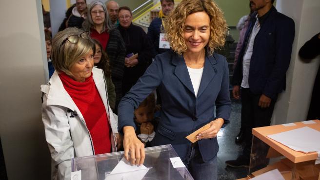 Meritxell Batet (PSC) acude a votar