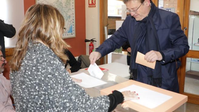 Puig vota en su colegio electoral en Morella