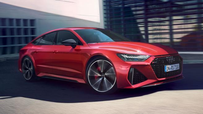 El vehículo utiliza una motorización de gasolina TFSI de 4.0 litros V8 que alcanza una potencia de 600 caballos.