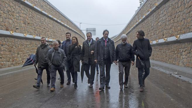 El consejero de Obras Públicas en el nuevo vial de acceso al polígono de Morero