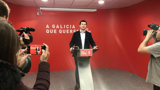 El secretario general del PSdeG, Gonzalo Caballero, en la rueda de prensa