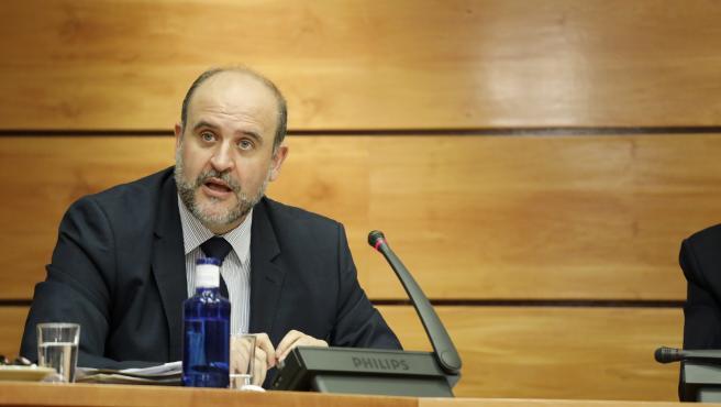 El vicepresidente de Castilla-La Mancha, José Luis Martínez Guijarro, comparece en Comisión Parlamentaria para explicar el presupuesto de su departamento