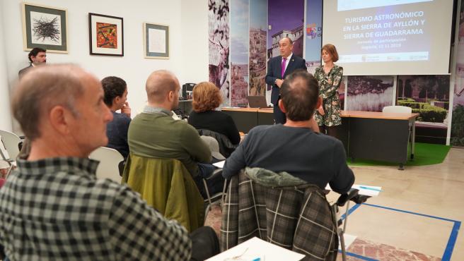 Diputación aborda con los agentes turísticos los pasos a dar para lograr que Segovia sea declarado destino 'Starlight'