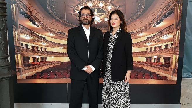 El director de la Orquesta de Cámara de Canarias, Patricio Gutiérrez, y la concejal de Cultura del Ayuntamiento de Santa Cruz de Tenerife, Matilde Zambudio