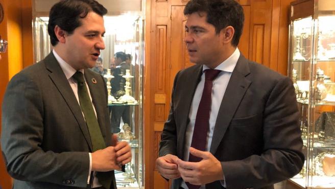 José María Bellido y Francisco Estepa en el Ayuntamiento de Córdoba.