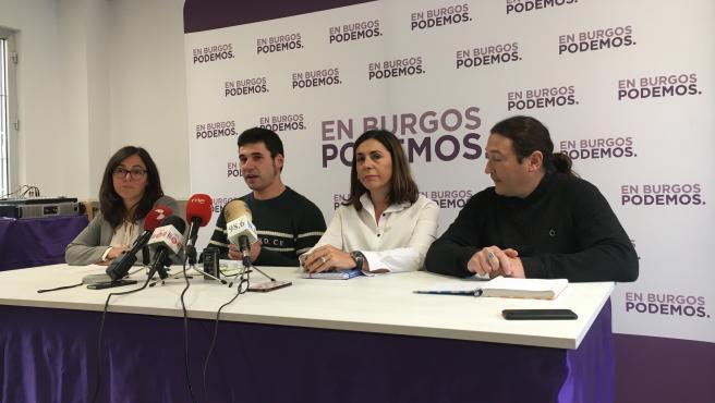 Laura Domínguez, secretaria de Municipalismo de Podemos CyL, Raul Salinero, Marga Arroyo e Israel Hernando, ediles de Podemos