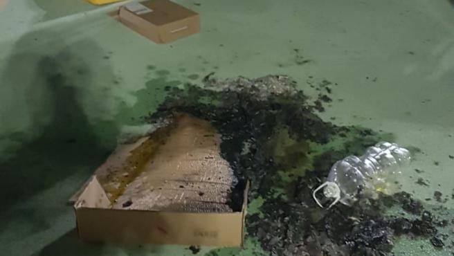 Parque infantil quemado en El Viso del Alcor