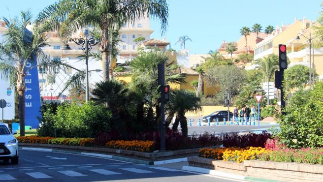 Semáforos adaptados para el paso de personas invidentes en Estepona (Málaga)